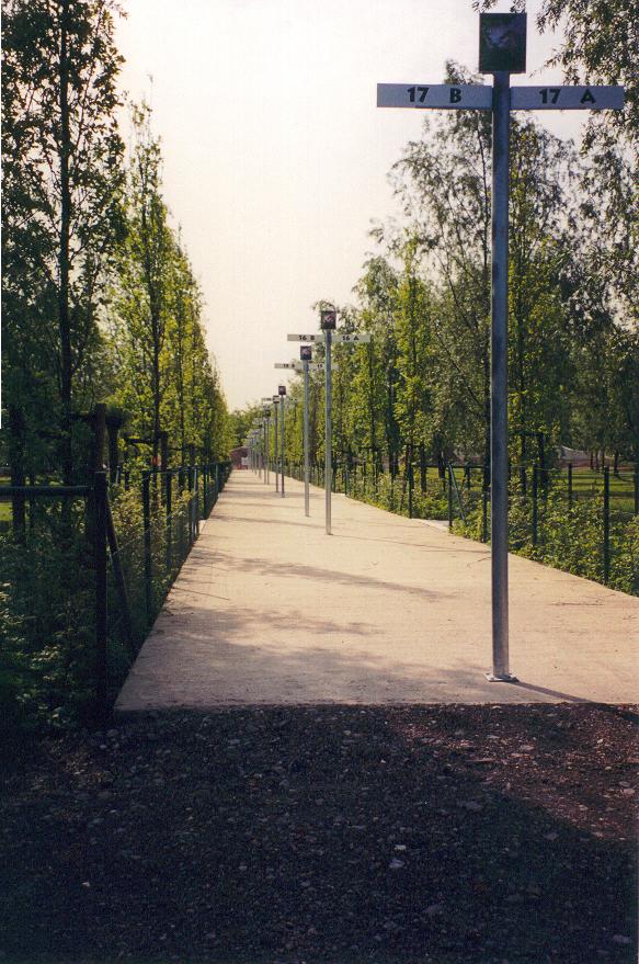 Bezoekersparking en Voetgangerstunnel, Dierenpark Planckendael, Muizen (Mechelen)